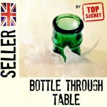 Botella a través de la mesa